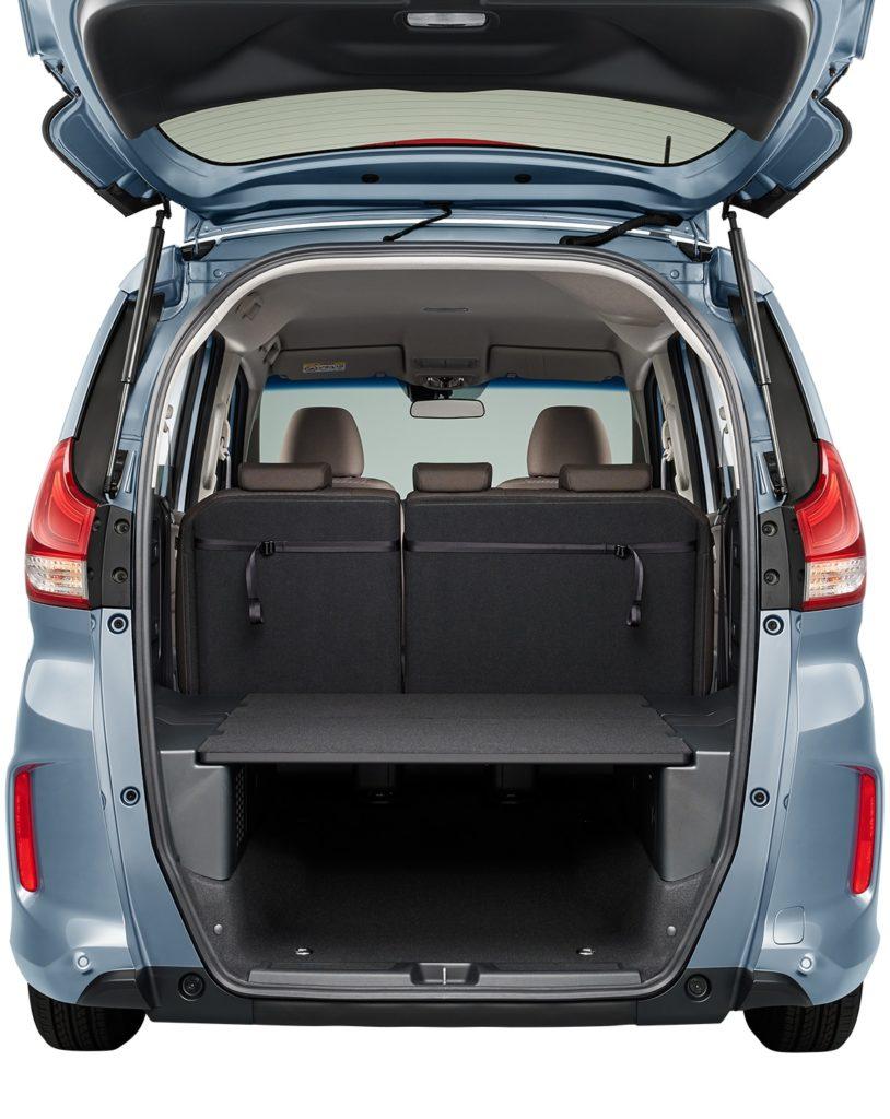 【フリードプラス】車中泊もできる?!荷室容量の寸法や感想の紹介!