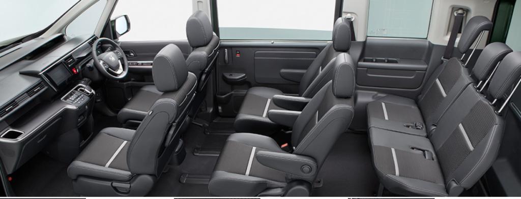 新型フリードVSステップワゴン!内装や乗り心地の比較!